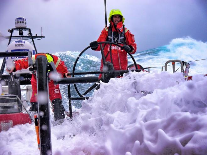 camper-volvo-ocean-race-660x495